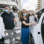 El sector del taxi y el bus colabora con la campaña para prevenir la violencia de género de Gandía